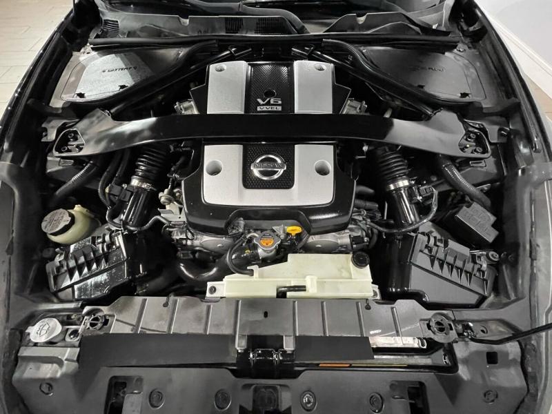 Nissan 370Z 2009 price $13,995