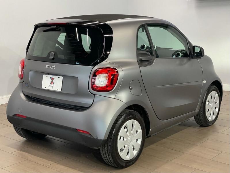 Smart EQ fortwo 2019 price $14,995