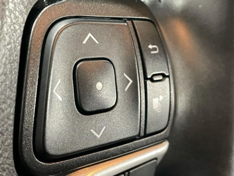 Toyota Highlander 2019 price $36,995