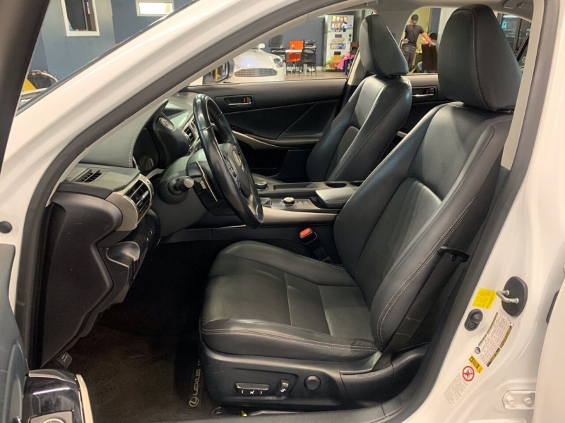 Lexus IS 250 2015 price $25,995