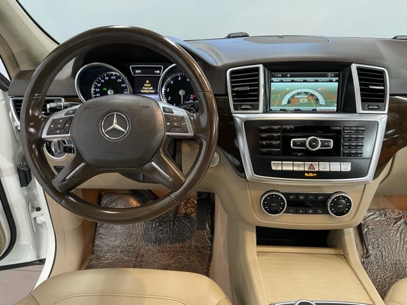 Mercedes-Benz M-Class 2015 price $25,995