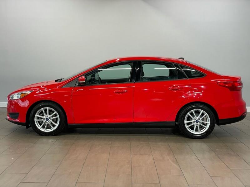 Ford Focus 2015 price $9,995