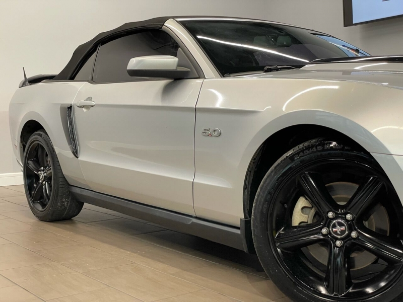 Ford Mustang 2011 price $16,995