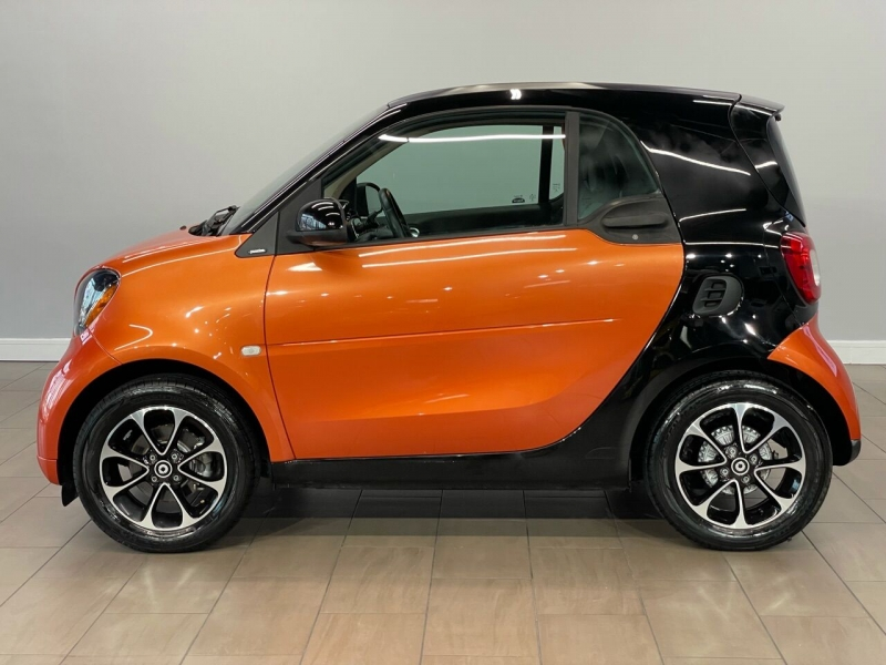 Smart fortwo 2016 price $13,995