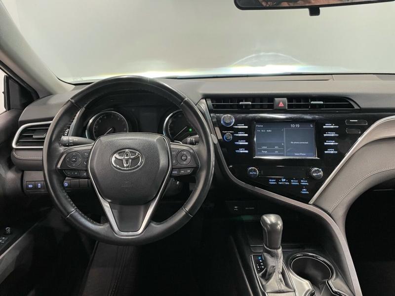 Toyota Camry 2018 price $21,995