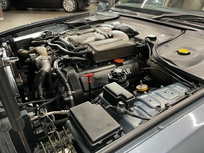 Jaguar XJR 2001 price $19,495