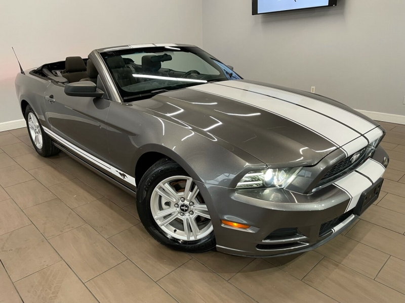 Ford Mustang 2013 price $15,795