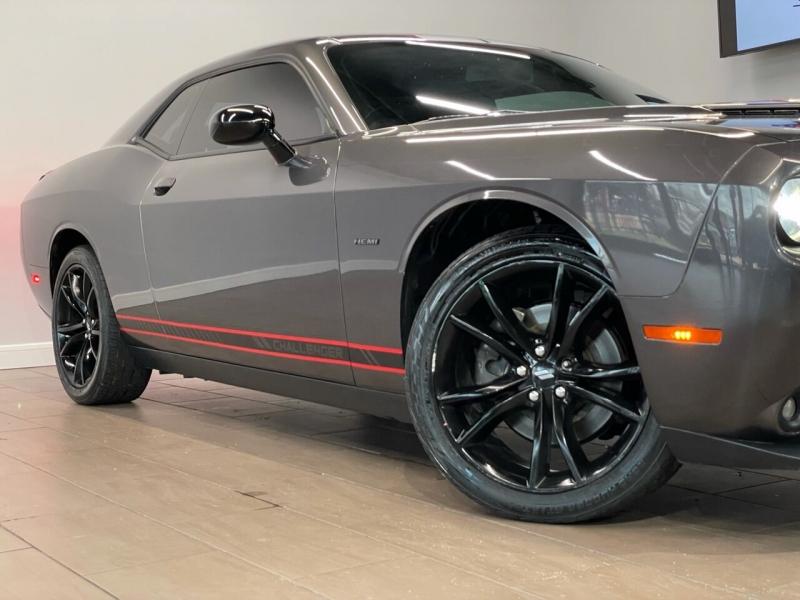 Dodge Challenger 2018 price $35,995