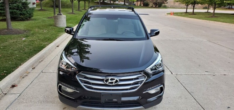 Hyundai Santa Fe Sport 2017 price $19,495
