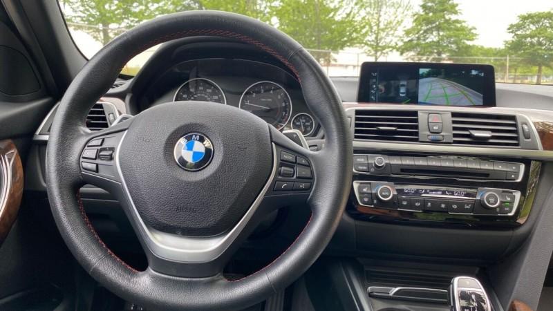BMW 3 Series 2017 price $22,995