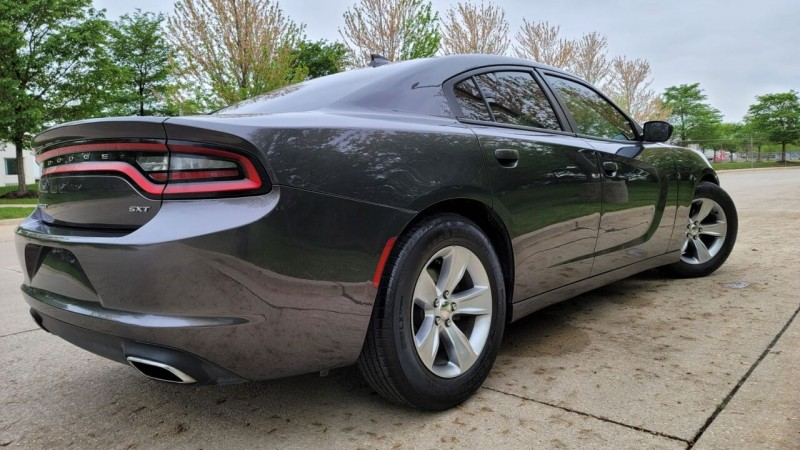 Dodge Charger 2017 price $19,495