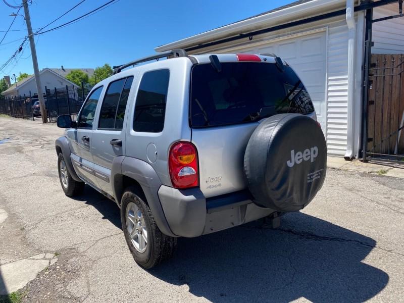Jeep Liberty 2004 price $3,495