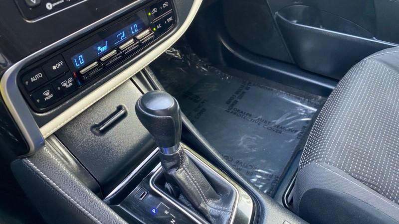 Toyota Corolla iM 2017 price $18,995
