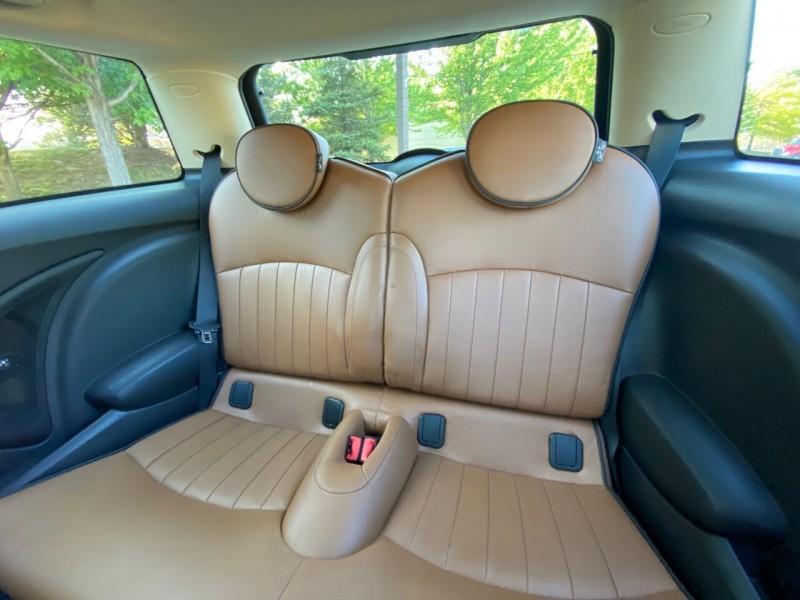 MINI Hardtop 2013 price $12,995