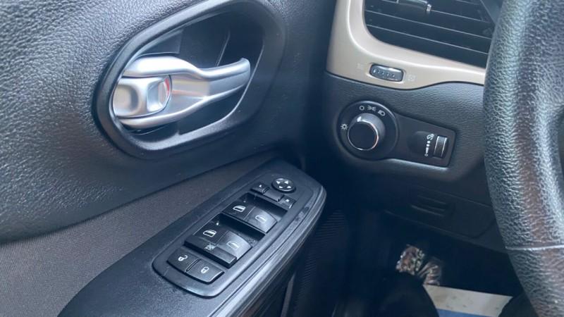 Jeep Cherokee 2016 price $15,995