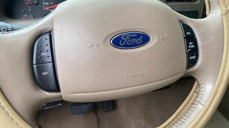Ford F-350 Super Duty 2004 price $19,995