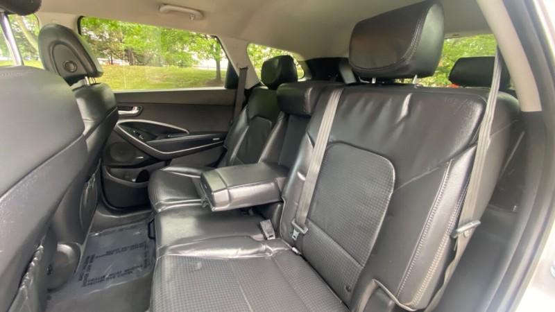 Hyundai Santa Fe 2013 price $17,995