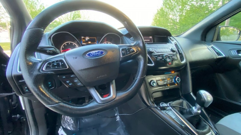 Ford Focus 2016 price $19,995