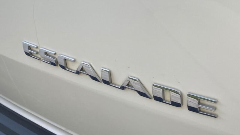 Cadillac Escalade 2014 price $25,995