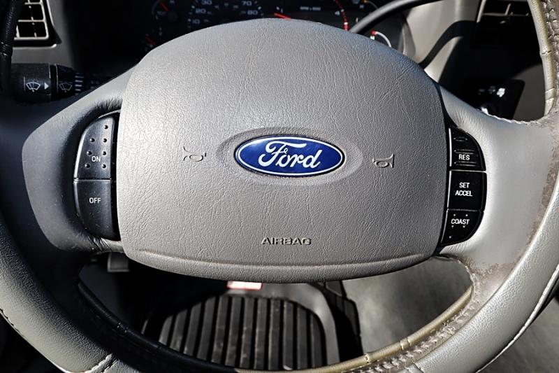 Ford Super Duty F-250 2003 price $21,999