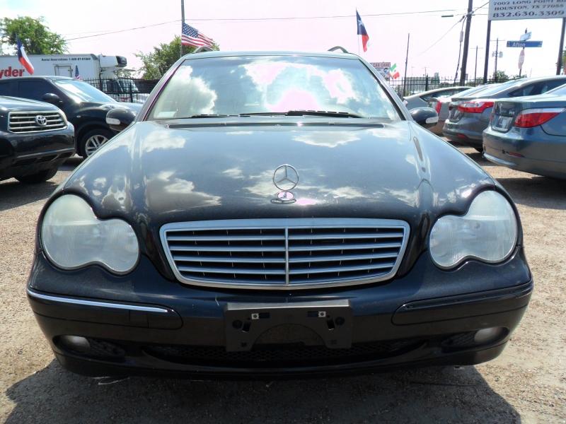 Mercedes-Benz C-Class 2004 price $2,900