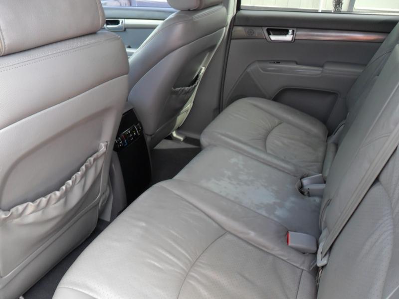Kia Borrego 2009 price $5,600