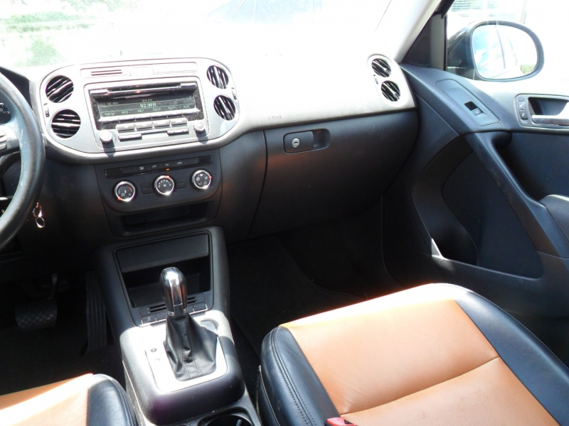 Volkswagen Tiguan 2014 price $6,400