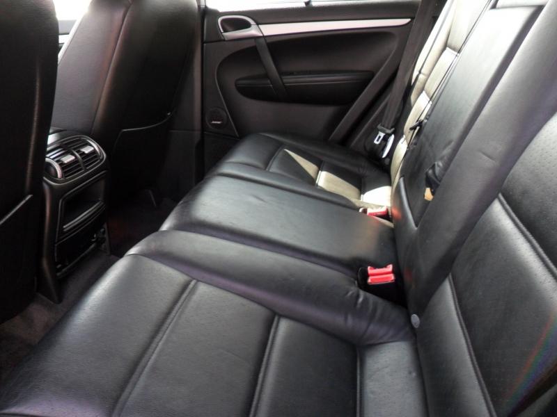 Porsche Cayenne 2004 price $6,800