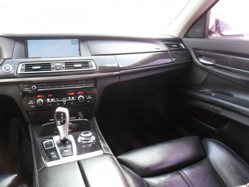 BMW 7-Series 2011 price $11,500
