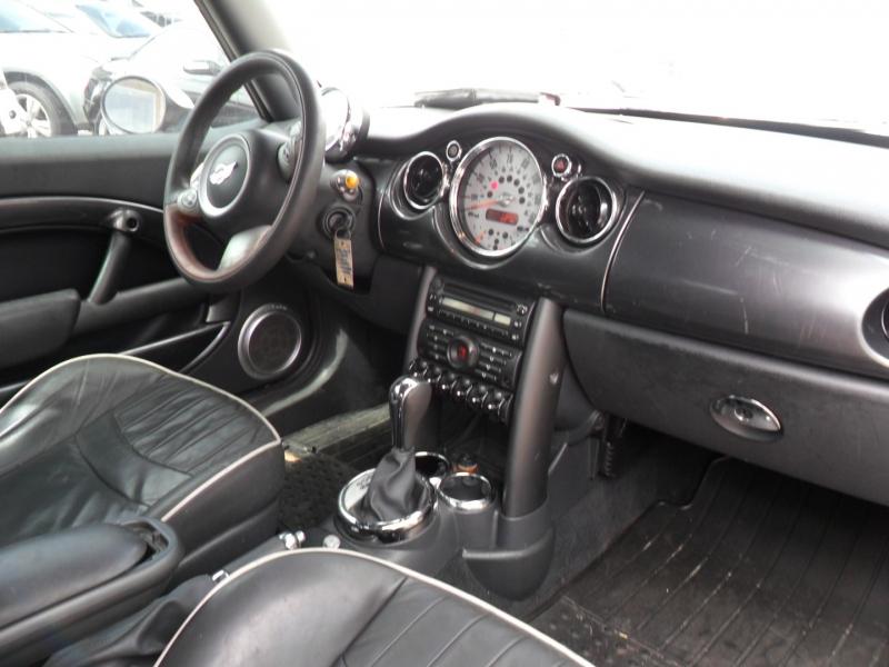 Mini Cooper Convertible 2008 price $5,200