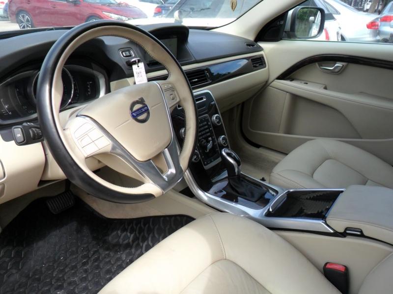 Volvo XC70 2015 price $9,800
