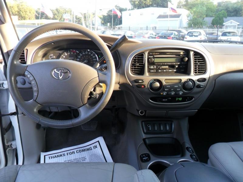 Toyota Sequoia 2006 price $5,400