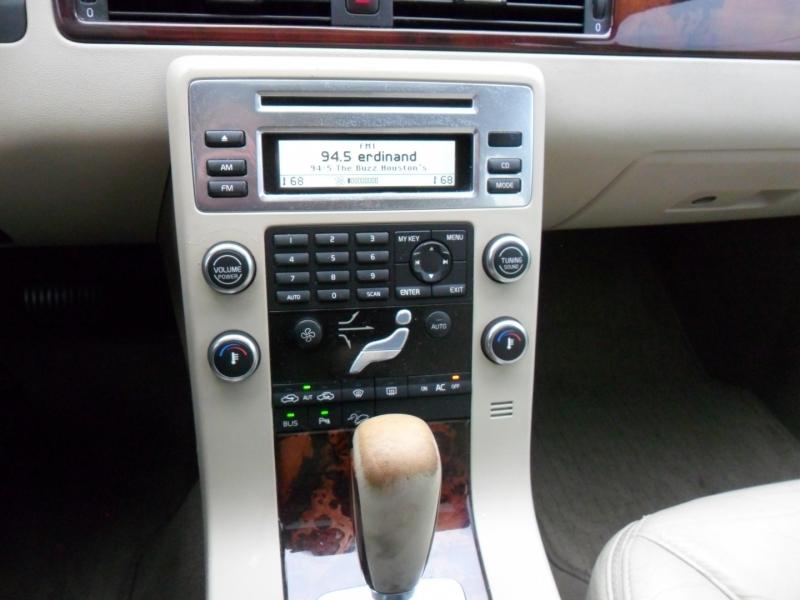 Volvo XC70 2008 price $4,800