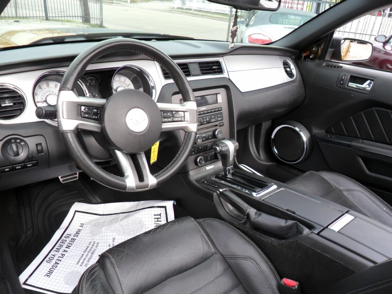 Ford Mustang 2010 price $7,500
