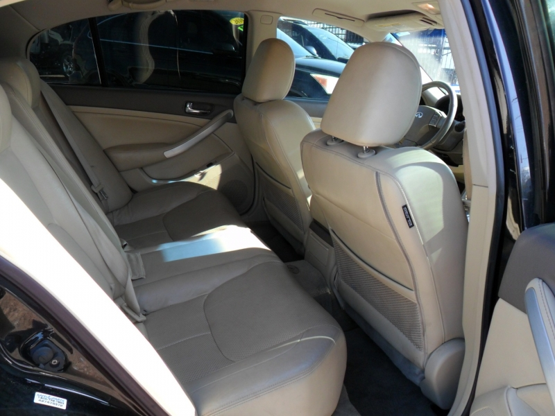 Infiniti G35 Sedan 2006 price $3,800
