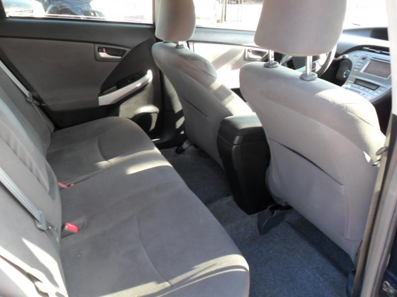 Toyota Prius 2013 price $7,200