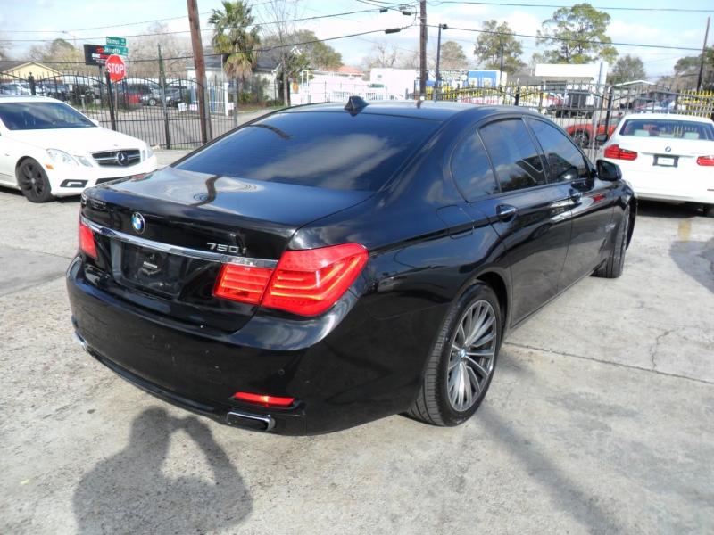 BMW 7-Series 2009 price $7,900