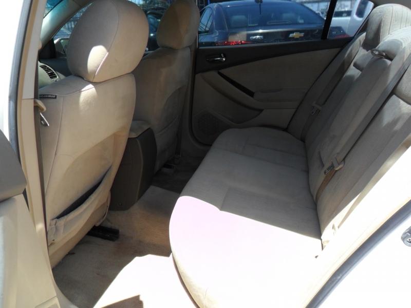 Nissan Altima 2010 price $5,200