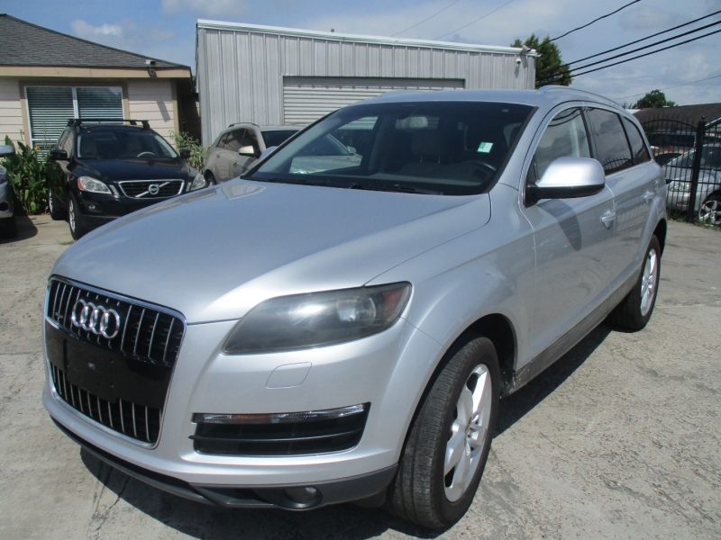Audi Q7 2012 price $10,500