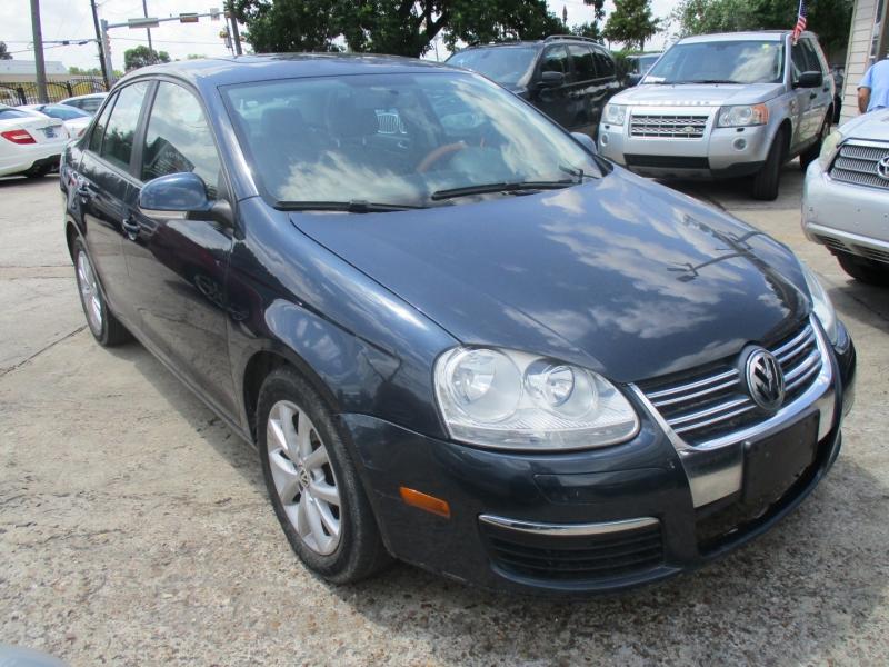 Volkswagen Jetta Sedan 2010 price $4,500