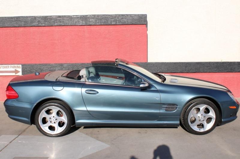 Mercedes-Benz SL-Class 2005 price $13,995