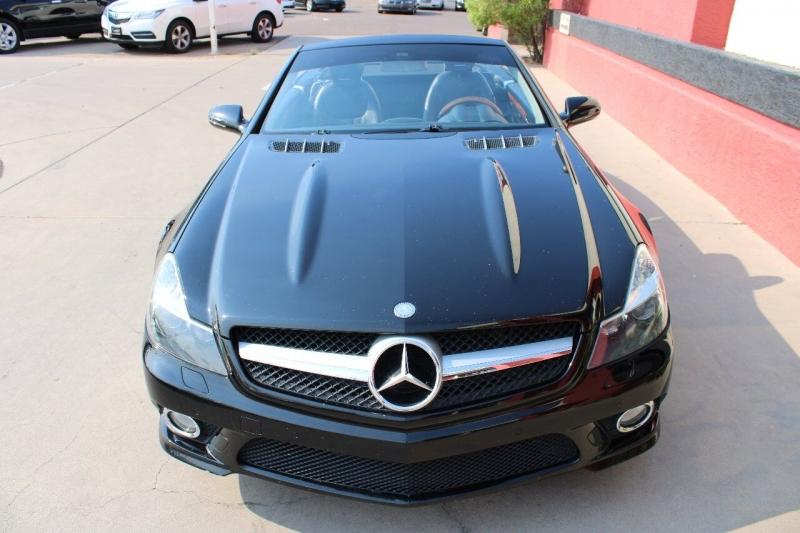Mercedes-Benz SL-Class 2011 price $29,995