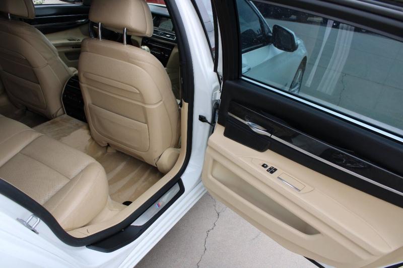 BMW 7 Series 2014 price $23,995