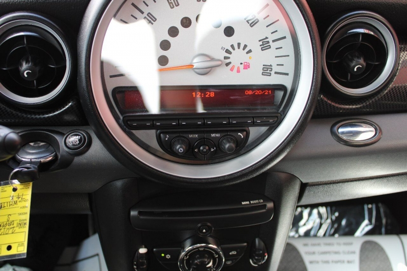 MINI Cooper Hardtop 2012 price $11,995
