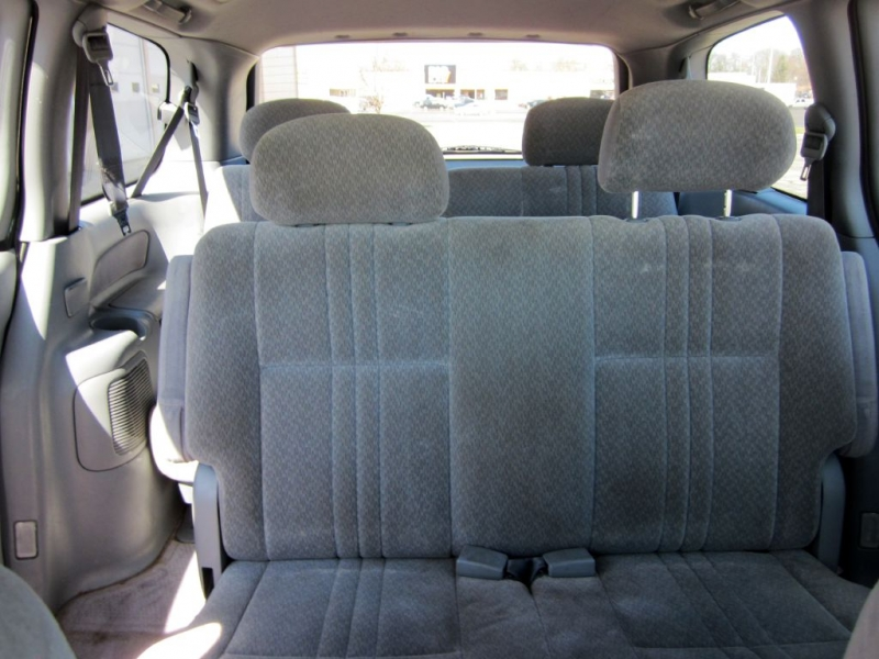 TOYOTA SIENNA 2003 price Call for Pricing.