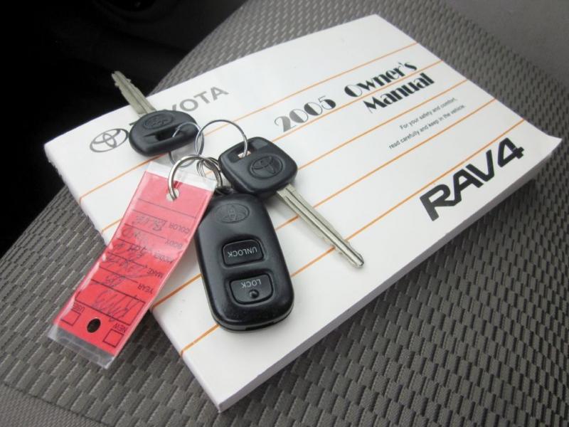TOYOTA RAV4 2005 price $7,999