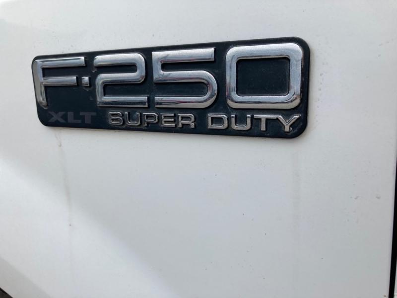 FORD F-250 SUPER DUT 2000 price $8,990