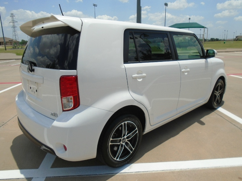 Scion xB 2015 price $9,999
