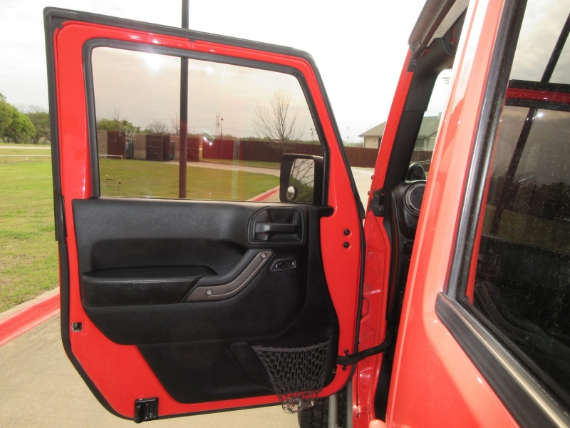 Jeep Wrangler Unlimited 2013 price $22,999