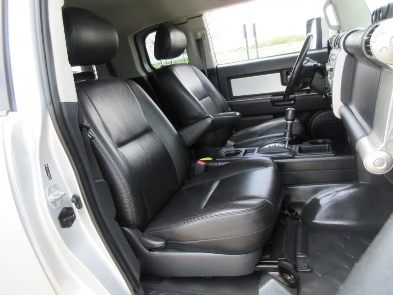 Toyota FJ Cruiser 2008 price $15,999